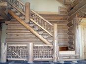 Срубы домов, бань, дома из оцилиндрованного бревна ПСК Рубим Дом. лестница в срубе.